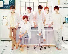 Boyfriend kpop Boyband Love my favorite kpop group Bare feet, tickle tickle