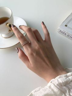 Ideas For Coffee Photography Inspiration Posts Classy Aesthetic, Beige Aesthetic, Aesthetic Photo, Aesthetic Coffee, Aesthetic Style, Aesthetic Outfit, Aesthetic Fashion, Coffee Photography, Jewelry Photography