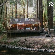 A Creekside Cabin, Rustic Treehouse & Outdoor Canopy Bed – House of the Week - This tiny creekside cabin will have you ready to pack up and move to the mountains. Tiny Cabins, Tiny House Cabin, Log Cabin Homes, Cabins And Cottages, Tiny House Living, House By The Lake, Tree House Homes, House In The Forest, Forest Home