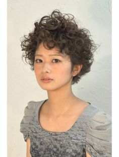 Short Curly Haircuts, Short Wavy Hair, Cute Hairstyles For Short Hair, Permed Hairstyles, Curly Fro, Curly Hair Cuts, Curly Hair Styles, Corte Pixie, Haircut For Older Women