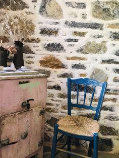 Booking.com: Damouchari Hotel , Damouchari, Grèce - 28 Commentaires clients . Réservez votre hôtel dès maintenant! Restaurant, Dining Chairs, Furniture, Home Decor, Decoration Home, Room Decor, Diner Restaurant, Dining Chair, Home Furnishings
