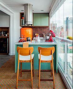 Decoração vintage para cozinha colorida