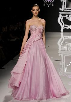 """Abed Mahfouz """"She looks a little cold. Draw a shaw on her."""" from Emma Beautiful Gowns, Beautiful Outfits, Pretty Outfits, Pretty Dresses, Couture Dresses, Fashion Dresses, Abed Mahfouz, Mode Rose, Mode Glamour"""