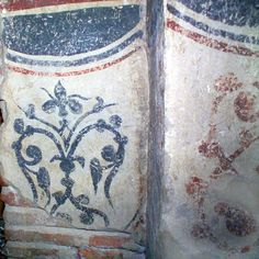 s2-e1e4-38.jpg 1,200×1,200 pixels. Ornament, detail on the right section of the north wall (base, inside the closed off door). Gracanica.
