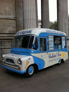 Bedford CA ice cream van Milk Ice Cream, Ice Cream Van, Vintage Vans, Vintage Trucks, Bedford England, Bedford Truck, Mobile Catering, Vintage Ice Cream, Old Commercials