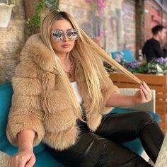 Fox Fur Coat, Fur Coats, Fur Fashion, Womens Fashion, Fur Clothing, Fur Jacket, Girl Pictures, Winter Outfits, Long Hair Styles
