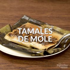 Mole tamales - Get ready for the Day of with this delicious from Delicious! Authentic Mexican Recipes, Deli Food, Food Menu, Tamale Recipe, Hotel Food, Spanish Dishes, Tasty, Yummy Food, Good Foods To Eat