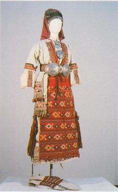 Празничен летен костюм от с. Ковачевица, Гоцеделчевско / Festive summer costume from Kovachevitsa village, Gotse Delchev area (NEM)