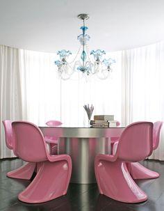 mesa redonda sala de jantar e cadeiras Panton rosa L:50xP:61xA:84