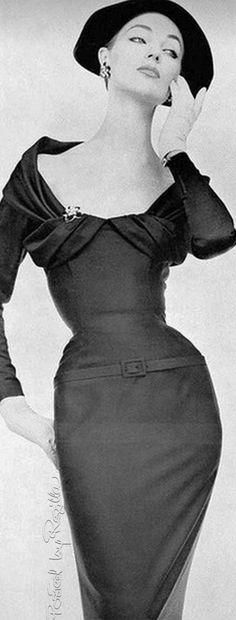 Regilla ⚜ model Ivy Nicholson 1955 jαɢlαdy