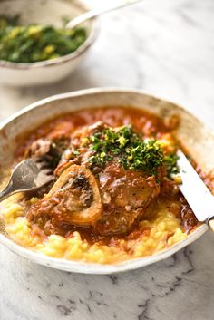 Osso Buco is one of the Italian greats - slow cooked veal in a white wine tomato sauce. Meltingly tender, this is both hearty and luxurious. Veal Recipes, Cooking Recipes, Healthy Recipes, Carne, Osso Buco Recipe, Gremolata, Classic Italian Dishes, Recipetin Eats, Easy Meal Prep