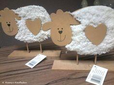 2 er SET mir OSTER Schaf Schäfchen aus Holz & Plüsch  DEKO Dekoration  NEUWARE