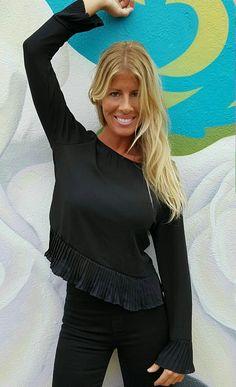 Blusa negra de vestir de www.wayandstyle.com