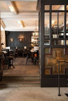 DESIGN ; INTERIORS ; OLD PUB