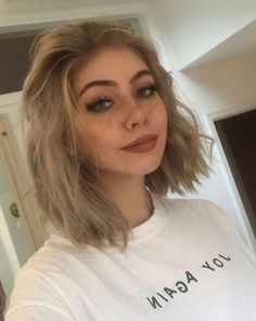 You are in the right place about grunge hair dye Here we offer you the most beautiful pictures about Cut My Hair, New Hair, Hair Cuts, Maquillage Normal, Pelo Midi, Aesthetic Hair, How To Draw Hair, Pretty Hairstyles, Grunge Hairstyles