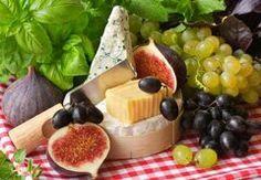Geschentipp: Tapas-Kurs in Köln Pesto Pasta, Frankfurt, Tapas, Cheese Table, Dairy, Fruit, Food, Wine Festival, Food And Wine