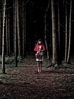 #woodlandwonderlandx #lovenickix #DörteKaufmann's #LittleRedRidingHood #night #dark #forest