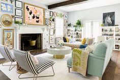 Living Room Decor Ideas Grey Walls - Pictures of Decor and Basement Grey Walls Living Room, Narrow Living Room, Grey Room, Living Room Decor, Living Rooms, Small Living, Modern Living, Vintage Inspired Bedroom, Basement Guest Rooms