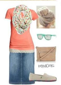 Peachy apricot top, with mint accents! So cute.