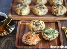 Gammeldagse kjeks | Det søte liv Cottage Cheese, Muffin, Baking, Breakfast, Food, Muffins, Patisserie, Bakken, Hoods