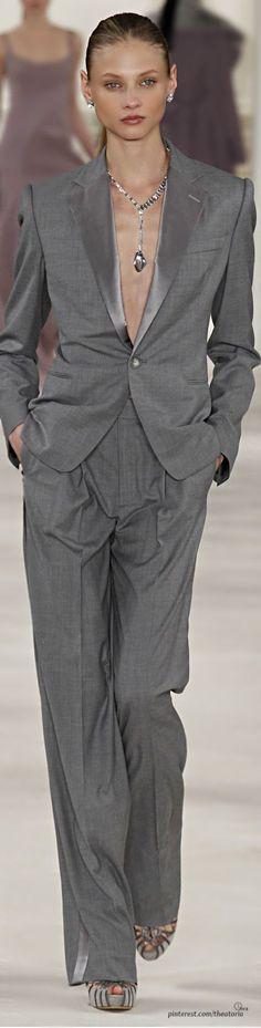 Ralph Lauren, New York Fashion Week, Herbst-/Wintermode 2014 Suit Fashion, Grey Fashion, Look Fashion, Runway Fashion, High Fashion, Fashion Show, Fashion Trends, Womens Fashion, Ralph Lauren