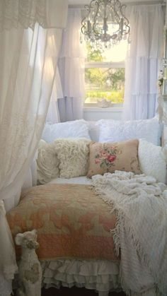 Shabby chic home beautiful bedrooms reading nooks 16 trendy Ideas Romantic Cottage, Shabby Chic Cottage, Vintage Shabby Chic, Shabby Chic Homes, Shabby Chic Style, Shabby Chic Decor, Chabby Chic, Romantic Shabby Chic, White Cottage