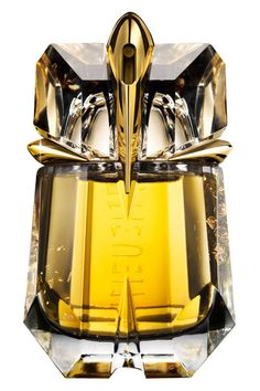 Find your signature scent: sexy fragrances to try now! Alien by Mugler.