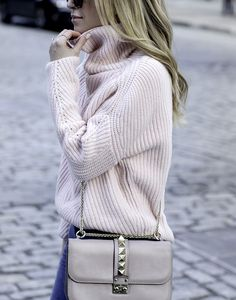 Stylish outfits for moms | Pink Sweater and Valentino Rockstud Bag