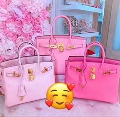 Luxury Purses, Luxury Bags, Cute Handbags, Purses And Handbags, Chanel Handbags, Bougie Girl, Disney Purse, Types Of Bag, Cute Purses
