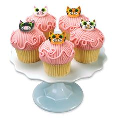 Kitty Cat Yarn Cupcakes- well not so much kitty cat, but I love the yarn part