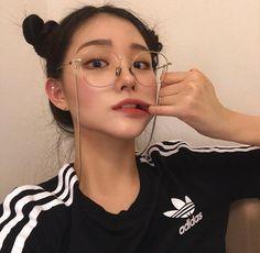 girl, ulzzang, and korean εικόνα Ulzzang Korean Girl, Cute Korean Girl, Asian Girl, Ulzzang Girl Selca, Ulzzang Style, Ulzzang Girl Fashion, Swag Girls, Donia, Uzzlang Girl