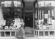 The Suffragette Photographs of Christina Broom - The Putney and Fulham Women's Social and Political Union branch shop and office, Vintage London, Old London, London Museums, Fulham, London Life, Shop Window Displays, Female Photographers, Women In History, S Pic