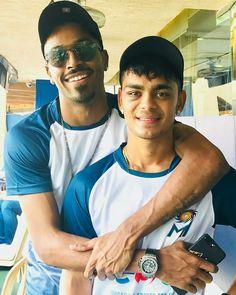 Ishan Kishan is fine now (with Hardik Pandya) Icc Cricket, Cricket Score, Cricket Match, India Cricket Team, Heat Fan, Dhoni Wallpapers, Photos Hd, Blue Army, Mumbai Indians