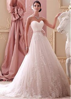 Gorgeous Tulle Sweetheart Neckline Natural Waistline A-line Wedding Dress With Beaded Venice Lace Appliques