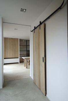 wooden sliding door - Vrolix Interieur