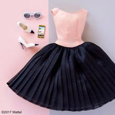 WEBSTA @ barbiestyle - This look is Insta-chic! Barbie Patterns, Doll Clothes Patterns, Diy Barbie Clothes, Barbie Outfits, Barbie Wardrobe, Barbie Doll Accessories, Barbie Collection, Barbie Friends, Barbie Dress