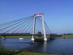 Heusden, brug over de Bergse Maas