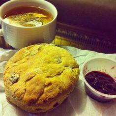 Scone & Jam to-go from Cornucopia Dublin, Ireland with Tea Veg Recipes, Whole Food Recipes, Best Places To Eat, Dublin Ireland, Scones, Vegetarian, Restaurant, Tea, Dining