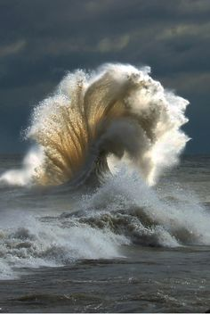 A storm making wild waves? This must be the definitive portrait of nature's beauty A storm making wild waves? This must be the definitive portrait of nature's… All Nature, Amazing Nature, Nature Water, Beauty Of Nature, Amazing Photography, Nature Photography, Cool Photos, Beautiful Pictures, Beautiful Nature Photos