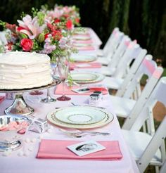 cute table love the gifts on each plate use liz s dark colors for