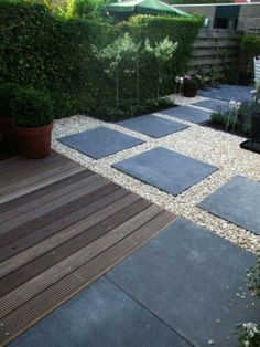 `charcoal slabs with quartz gravel