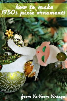 how to make retro kistchy 1950s pixie Christmas ornaments with free pattern download