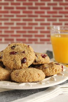 Soft oatmeal cookies with apple and cranberries Soft Oatmeal Cookies, Almond Cookies, Yummy Cookies, Cupcake Cookies, Cupcakes, Cookie Desserts, Cookie Recipes, Apple Desserts, Cookie Ideas