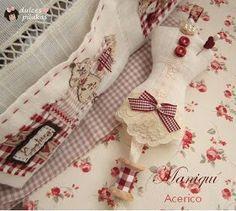 sweet pilukas: Pincushion Maniqui for sewing basket Sewing Case, Sewing Tools, Love Sewing, Sewing Tutorials, Sewing Patterns, Cushion Inspiration, Bordados E Cia, Sewing Baskets, Needle Book