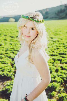 Spokane senior photography head wreath wwew.jolievphotography.com