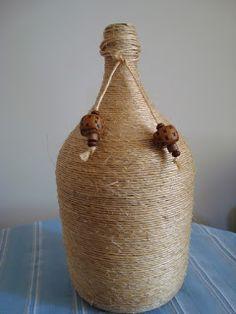 Decoupage Jars, Wine Bottle Crafts, Diy And Crafts, Creations, Basket, Diy Projects, Artist Studios, Sisal, Decorative Bottles