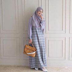 Modest Fashion Hijab, Modern Hijab Fashion, Korean Fashion Dress, Hijab Fashion Inspiration, Muslim Fashion, Fashion Outfits, Fashion Muslimah, Cute College Outfits, Outfit
