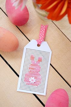 The Easter bunny peep is so adorable and super easy to whip up in no time with this free cross-stitch pattern. Cross Stitch Beginner, Tiny Cross Stitch, Cross Stitch For Kids, Cross Stitch Bookmarks, Cross Stitch Cards, Cross Stitch Designs, Cross Stitching, Cross Stitch Embroidery, Cross Stitch Patterns