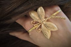 Body Jewellery, Jewelry Making, Jewels, Trending Outfits, Unique Jewelry, Handmade Gifts, Earrings, Etsy, Vintage