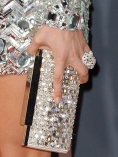Jennifer Lopez and Cartier Panthere De Cartier Diamond Ring - Jennifer Lopez wore this Cartier ring to the GRAMMY Awards. Jennifer Lopez, Glamour, Bling Bling, Bling Party, Cartier Panthere, Sparkles Glitter, Glitz And Glam, Emilio Pucci, Look Fashion
